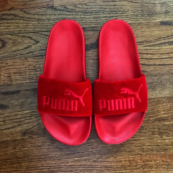Women s Puma red velvet slides 6.5. M 5b3802cb819e90e0ebf3a2d6 cc64e5c33